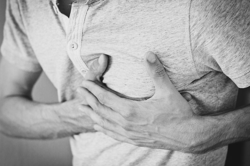 heartache-1846050_1920