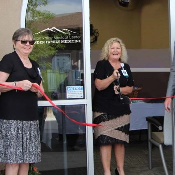 MFM ribbon cutting_1